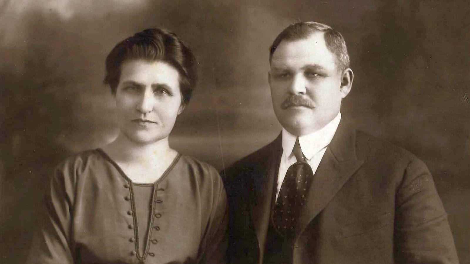 Adam ?i Lydia Sezonov - 1915